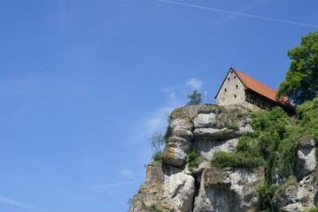 Burg Pottenstein Sommerhimmel
