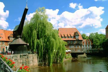 alterhafen und kran lüneburg