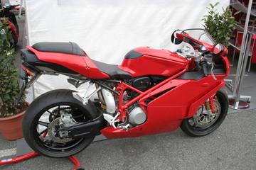 motocicletta sportiva