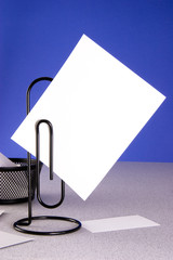 Paperclip Message Holder and Large Card