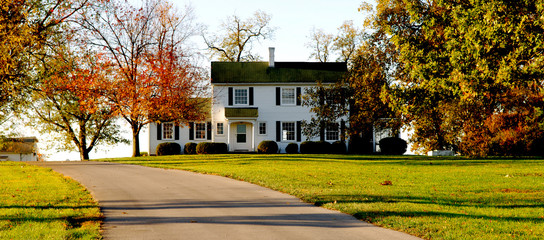 Image of a beautiful country home in southern America