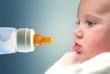 biberon e neonato