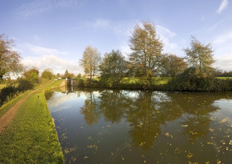 the worcester and birmingham canal stoke prior