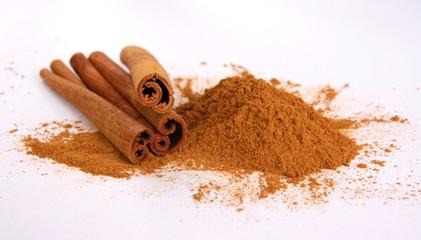 Cinamon - three sticks and powder