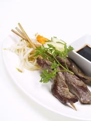 rindfleisch satays mit teppanyaki soße