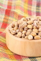bowl full of pistachio close-ups
