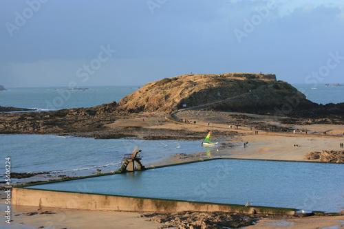 Saint malo piscine en bord de mer bretagne by bobroy20 for Camping saint malo avec piscine