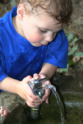 child making fountain work