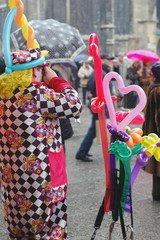 Street clown with baloons