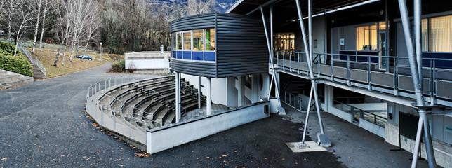 Lycée français à Aix-Les-Bains en Savoie.