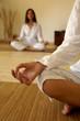 Leinwandbild Motiv mano di donna e yoga
