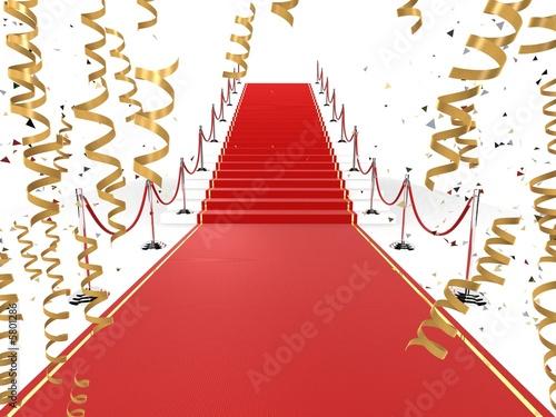 roter teppich mit goldenen luftschlangen Stockfotos und