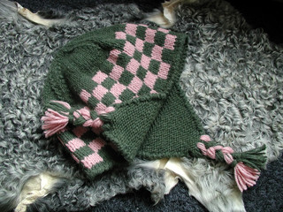 Green-pink knitted cap