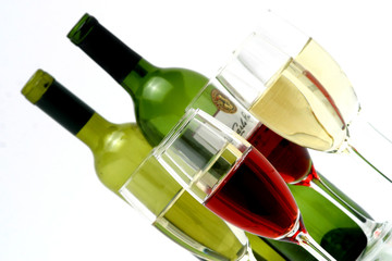 red & white wine in glasses 40/40