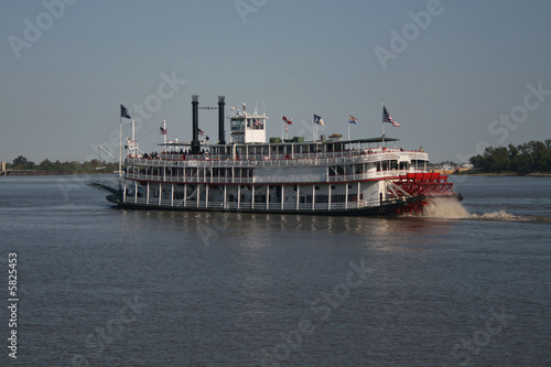 paddle steamer - 5825453