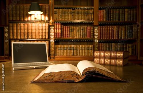 Magie des Buches und der Technik