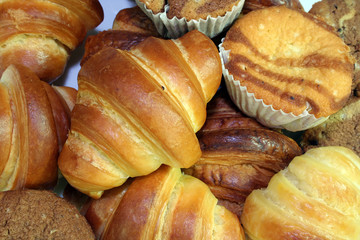 croisant bread and muffin bread
