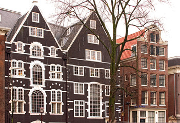 old amsterdam canal houses
