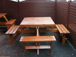 Pub table/ outside smoking area