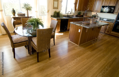 Beautiful Showcase open plan dining area and kitchen