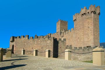 Entrada al Castillo de Javier (España)
