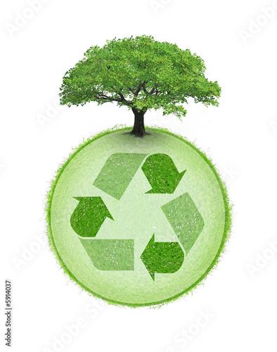 Logo de recyclage avec arbre