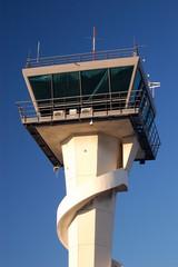 tour de controle de l'aéroport de mandelieu