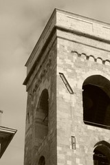 Torre seppia