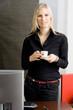 Femme et pause café