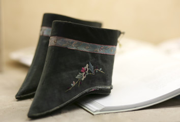 Lotus Shoes used for Women with boud feet