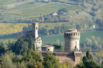 rocca manfrediana e torre dell'orologio