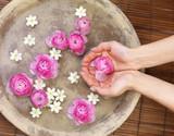 Fototapeta ręce - aromaterapia - Stopy / Dłonie