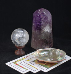 Crystal Ball & Tarot Reading