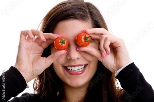 lachende frau mit tomaten auf den augen von unpict lizenzfreies foto 6216493 auf. Black Bedroom Furniture Sets. Home Design Ideas