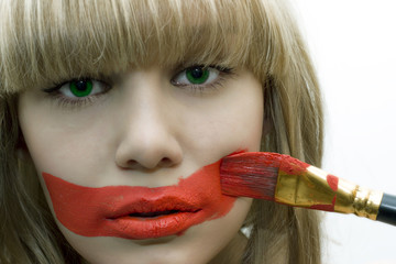 girl with brush and red lips