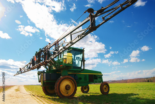 tractor sprayer 03