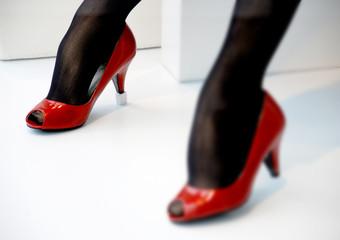 manequin feet