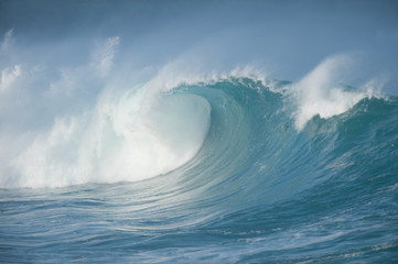 Giant 25 foot wave