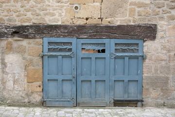 porte ancienne de garage
