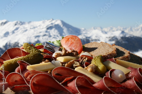 Assiette Valaisanne, spécialité Suisse - 6361401