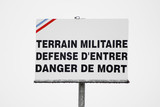 panneau terrain militaire poster