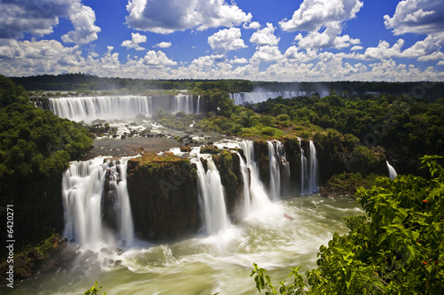 Papiers peints Sauvage Iguassu Falls is the largest series of waterfalls on the planet,