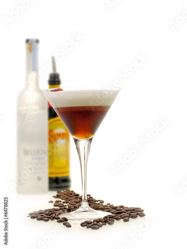 Клипарт алкогольные коктейли и напитки со свежими фруктами.