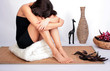 frau enstpannt nach sauna im wellness raum
