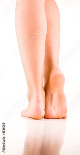 Füße von Frau mit Fußsohle und Ferse