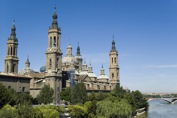 Basílica del Pilar en Zaragoza, España