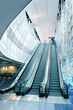 Leinwanddruck Bild - Escalator in Modern Airport