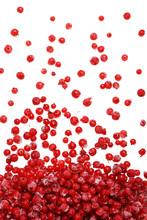 Mrożone czerwone jagody spadające