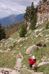 Randonneur dans le massif du Mercantour