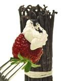 erdbeeren mit schlagsahne und vanille sommer urlaub favorit poster